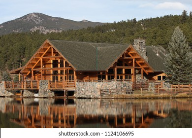 Evergreen Lake House in the moutains of Colorado