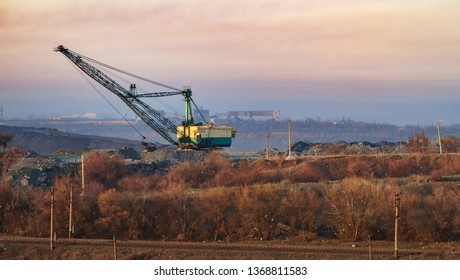Excavator dragline on the morning