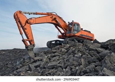 excavator, transport, mine, minerals, digging, shipping, to walk, mine, cut, quarry, coal, rock. rock,