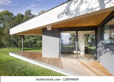 an exceptional family house with a ground plan of triangles