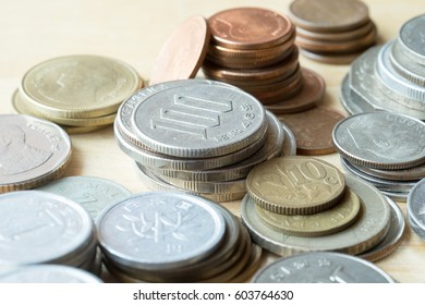 Exchange money.