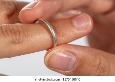 Exchange of rings in a homosexuals marriage