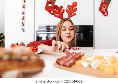 Brunette gets beef in taco mobile porn