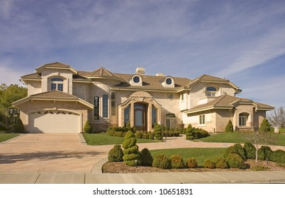 Executive mansion with circular driveway in Northern California