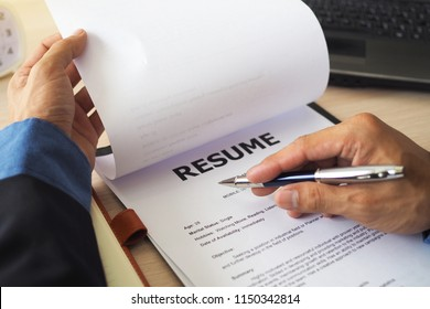 Executives are viewing the application form. Many candidates submitted. Recruiting new employees Executives focus on resume writing tips, candidate qualifications. Consider an employee decision.
