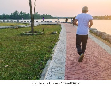 Exercise by running in outdoor