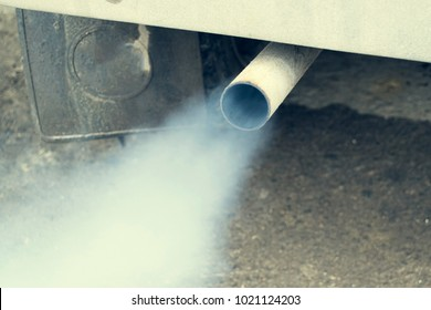 Exhaust fumes from car exhaust pipe, Engine Problems.