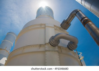 Exhaust of gas turbine engine at oil and gas platform