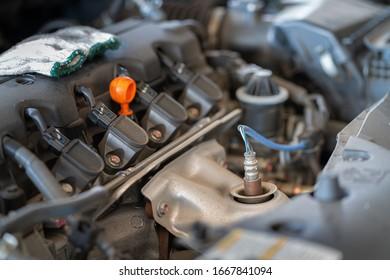 Exhaust sensor of the engine
