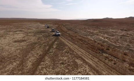 expedition cars in the desert