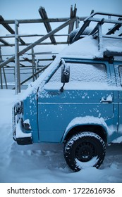 Expedition vehicle 4x4 in the winter