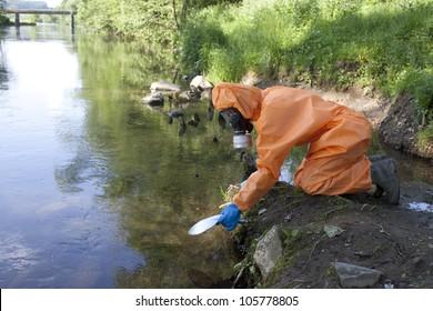 Expert analysis of radioactive water