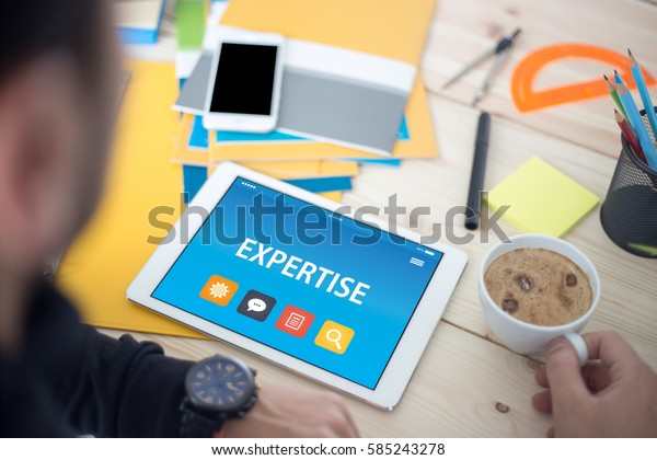 EXPERTISE CONCEPT ON TABLET PC SCREEN