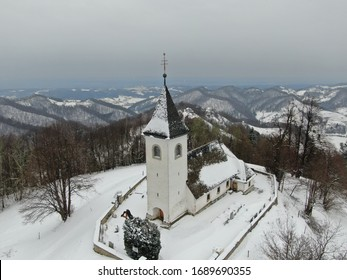 From the explained Narapelj, which lies along the Majšperk-Žetale road, the church of Sv. Bolfenka is climbed by two marked trails: the European footpath E7, which comes here from Ptujska Gora.