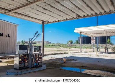 exterior of abandoned gas station in New Mexico on Route 66