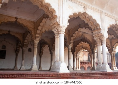 Exterior of Diwan-i-Am, Hall of Public Audience in Red Fort of Agra. It was the main residence of the emperors of the Mughal Dynasty until 1638.