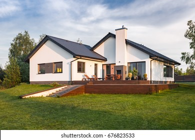 Modern House Exterior Images, Stock Photos & Vectors | Shutterstock