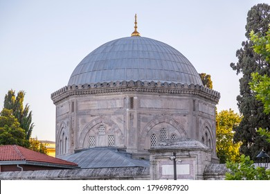Exterior view of the tomb of Suleiman the Magnificent, the legendary Ottoman sultan, next to Suleymaniye Mosque in Istanbul.