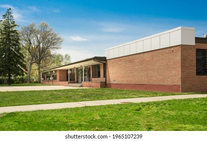 Exterior view of a typical American school building
