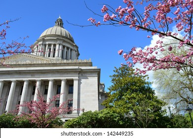 Exterior of Washington State Capitol in Olympia