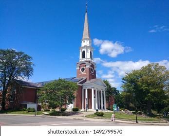 Exterior of the Wellesley Congregational Church in Wellesley, Massachusetts