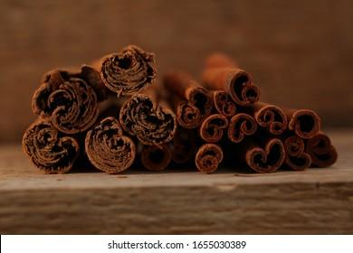 external differences ceylon cinnamon and cassia bark