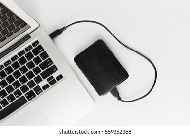External hard drive connect to laptop computer