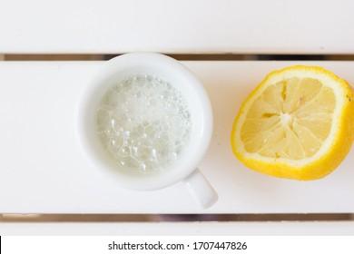 extinguish soda with fresh lemon juice