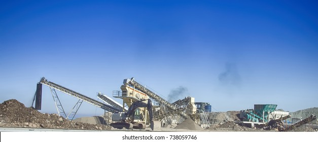 Extraction of gravel. Plant for production of gravel (gravel-pit). Crushers and conveyors for loading gritting material