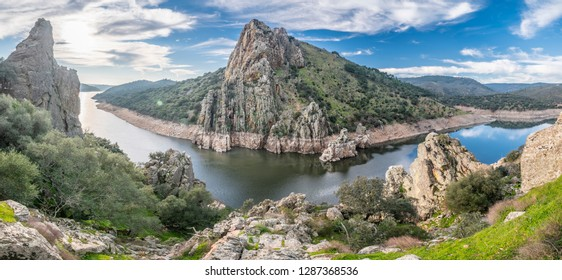 """Extremadura and the Tajo river crossing the rugged terrain. Inside this land we found the amazing Monfragüe National Park and the """"Salto del Gitano"""" (Gipsy Cliff). Awe place for vulture bird watching"""
