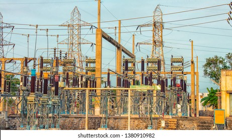 Extremely high voltage capacitor bank to improve voltage level