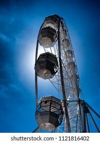 EYE or Ferris Wheel