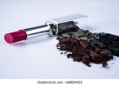 Eye shadow with lipstick./ eye shadow.