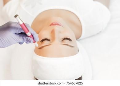 eyebrow Extension procedure micro blading