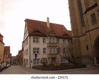 Eyelid Building in Germany
