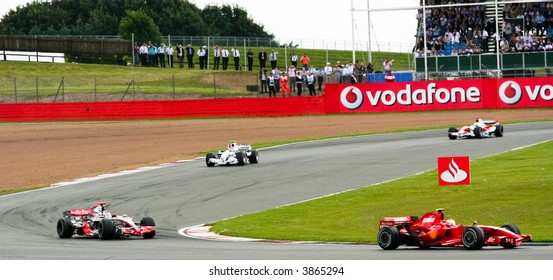 F1 Racing at the British Grand Prix, Silverstone, 2007