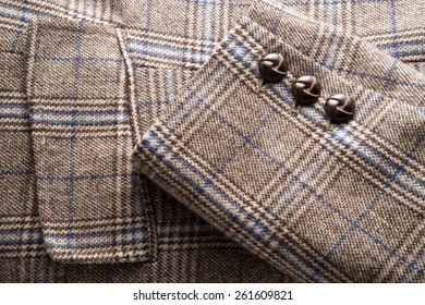 Fabric - Plaid tweed jacket detail