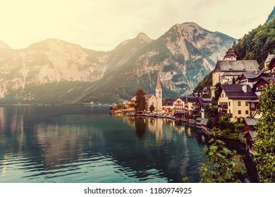 Fabulous alpine village with majestic lake on cloudy day, Hallstatt, Salzkammergut, Austria, Europe