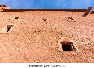Facade in Ait ben Haddou near Ouarzazate on the edge of the sahara desert in Morocco. Atlas mountains. Used in many films such as Lawrence of Arabia, Gladiator