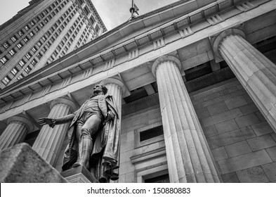 Facade of the Federal Hall with Washington Statue on the front, Manhattan, New York City