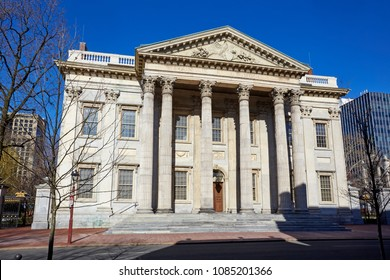 Facade of the 'First Bank of the United States' opened in 1793, architect Samuel  Blodgett and James Hoban in the Greek revival