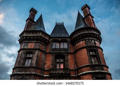 The facade of a red castle