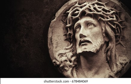 Face of Jesus Christ crown of thorns (statue)