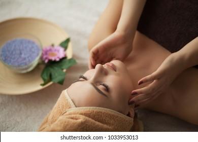 sawasdee thai massage spa täby