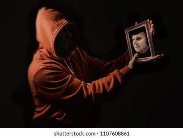 Face reflection, face mask in frame