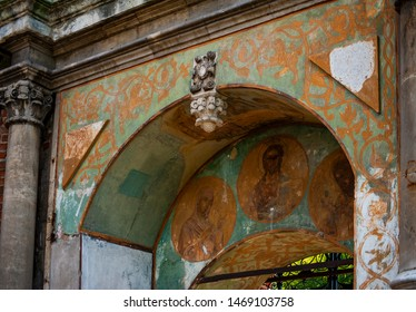 Faced on the outer facade with majolica tiles Teremok was built in the late 17th century by architect Larion Kovalev, the walls and arches of the gate are painted with frescoes