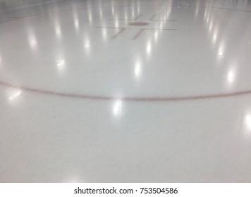 Face-Off circle hockey rink