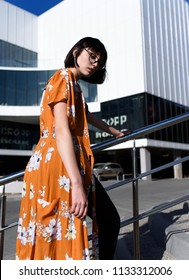 fachion photo. street style, professional model. Fashion Week is spring summer.