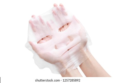 facial mask in wamon hand