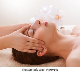 Facial Massage . Spa. Dayspa